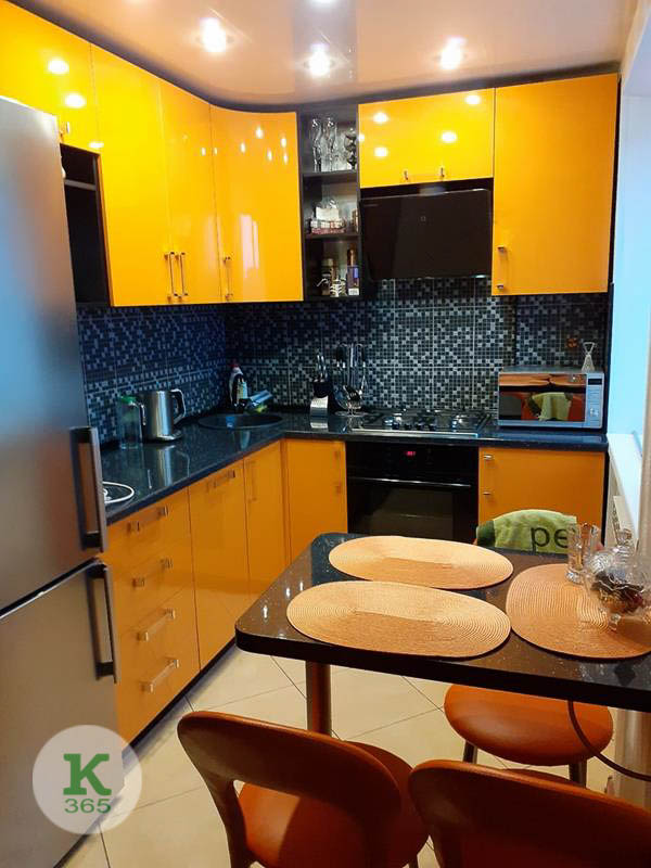 Оранжевая кухня Адамо артикул: 20275821