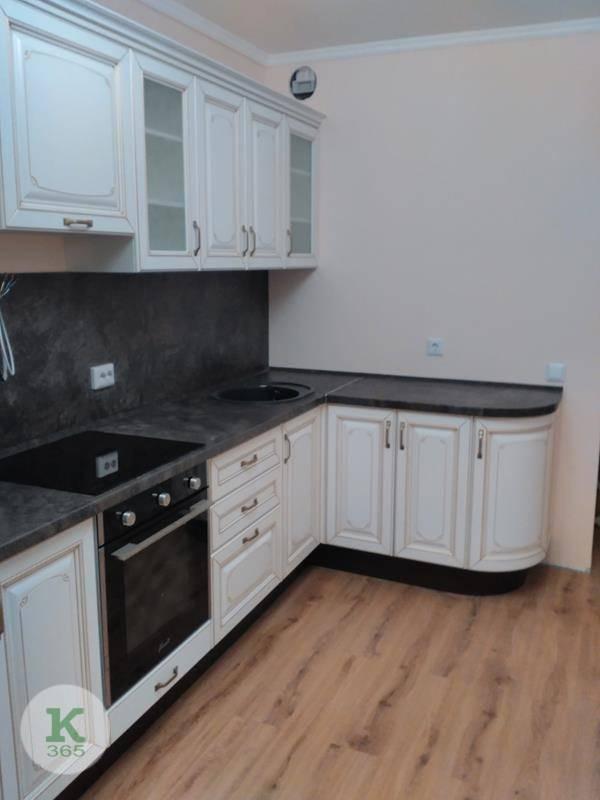 Кухня белая с золотом Правды артикул: 000480249